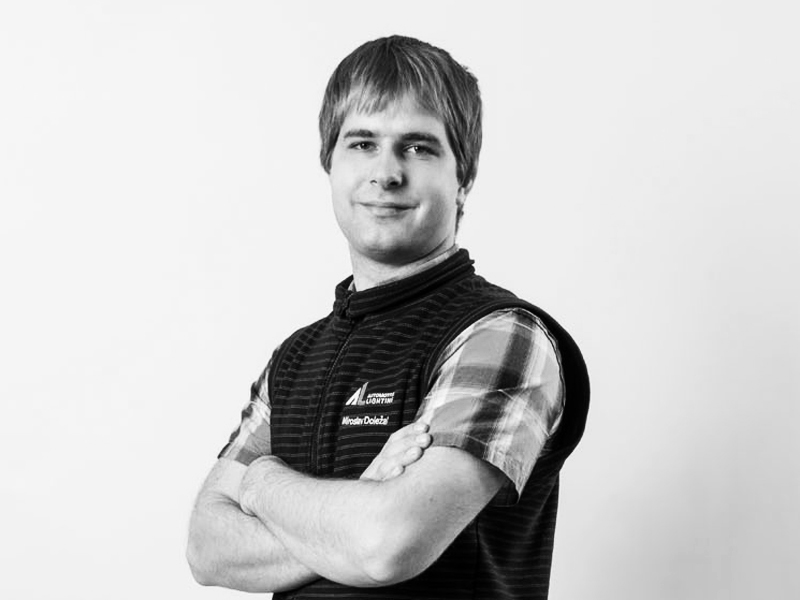"""Miroslav Doležal <span class=""""pracPozice"""">elektronik z vývojového oddělení</span>"""