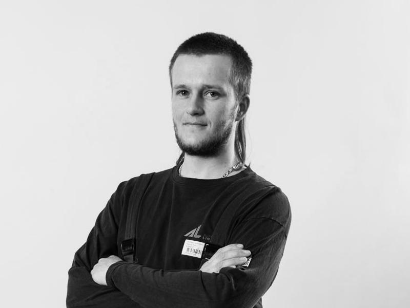 """Petr Pokorný <span class=""""pracPozice"""">nástrojář</span>"""